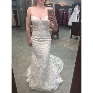 Low Back Scroll Lace Blush Wedding Dress Vintage